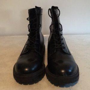 New Men's Size 10 Black H&M Boots